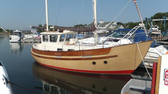 Fisher - 30 Pilothouse Ketch