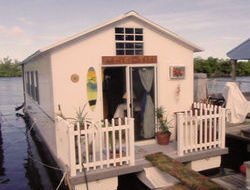 Aqua - Lodge Houseboat